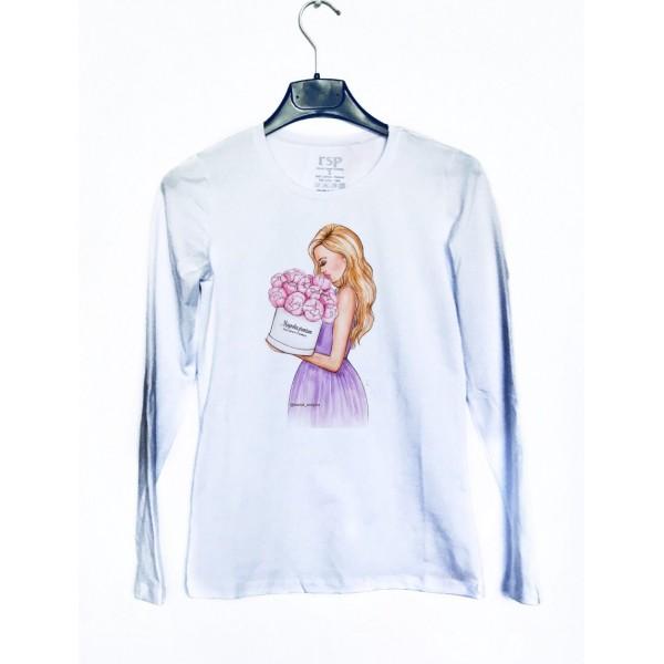 Дамска блуза с щампа Момиче с цветя от категория Дамски блузи